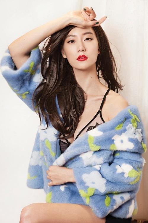 Clara là một trong những nghệ sĩ có hình thể đẹp nhất Hàn Quốc, theo Osen. Sự nghiệp diễn xuất của cô khá nhạt nhòa, toàn đóng vai phụ hay tuyến nhân vật chuyên dụ dỗ đàn ông... Tuy nhiên, nhờ chiều cao 1,7 m cùng thân hình chuẩn, cô đắt show quảng cáo nội y và là con cưng của các tạp chí thời trang.
