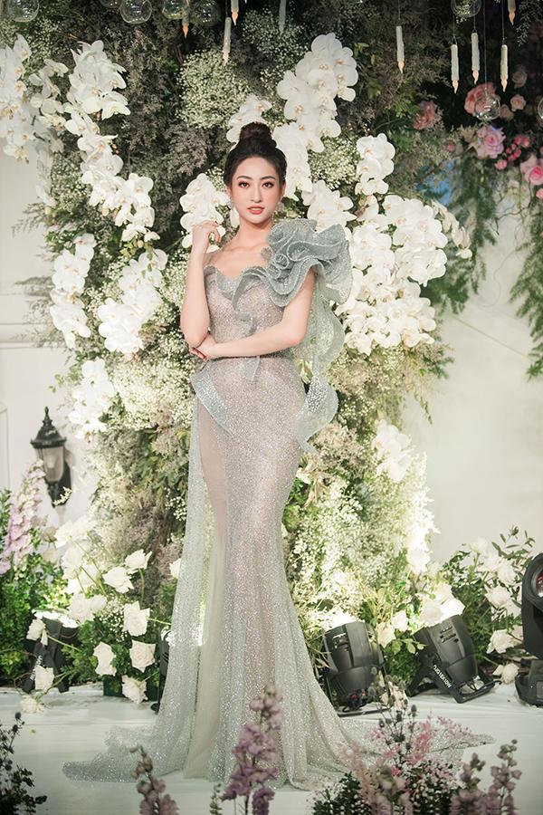 Từ khi đăng quang Hoa hậu Thế giới Việt Nam, Lương Thùy Linh rất đắt show sự kiện. Cô sẽ đại diện Việt Nam tại Hoa hậu Thế giới 2019.