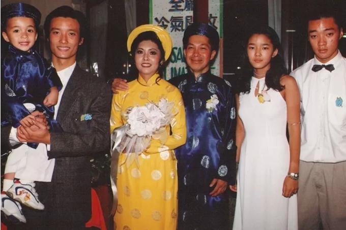 Danh ca Hoạ Mi hạnh phúc bên người chồng thứ hai - một người Pháp gốc Việt và