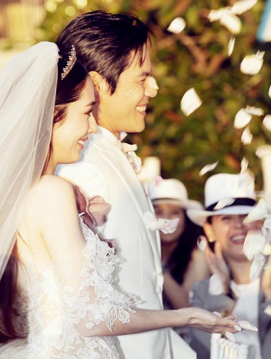 Đám cưới cổ tích của bông hồng lai và con trùm Hong Kong - 3