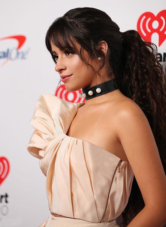 Do êkíp của Công Trí đang có mặt ở Mỹ nên việc thử đồ của Camila Cabello và phía Công Trí diễn ra thuận tiện, nhanh chóng và không phải chỉnh sửa gì nhiều.