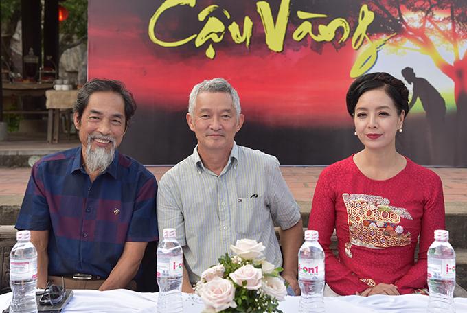 NSƯT Viết Liên, NSƯT Phi Tiến Sơn và NSƯT Chiều Xuân (từ trái sang) tại buổi họp báo chiều 22/9 tại Ninh Bình.