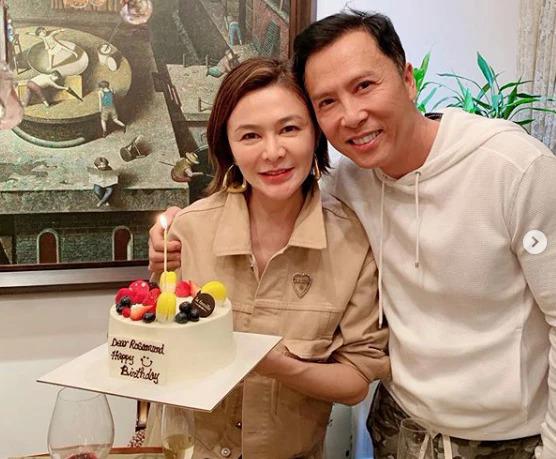 Chân Tử Đan cũng góp mặt trong buổi tiệc sinh nhật của Chi Lâm. Ở tuổi 57, nữ diễn viên nổi danh một thời giờ sống độc thân.