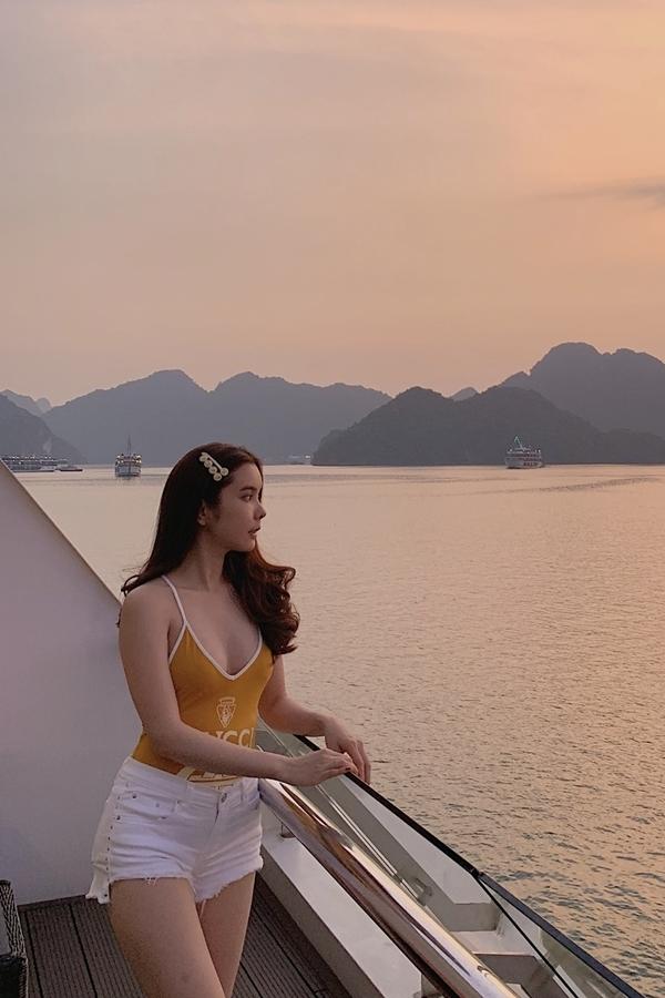 Công việc kinh doanh giúp Huỳnh Vy có cuộc sống tự lập, đầy đủ. Tuy nhiên, từ khi lấn sân thi nhan sắc và hoạt động giải trí, người đẹp quê Đồng Tháp vẫn vướng tin đồn vào showbiz để tìm kiếm đại gia khiến cô khá buồn lòng. Hiện cô tập trung rèn luyện để khẳng định bản thân ở nghệ thuật.