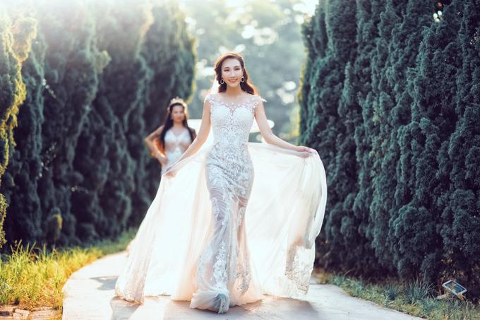 Bộ ảnh được thực hiện với sự hỗ trợ của trang phụcFairytale Bridal, ảnh Mju Studio.