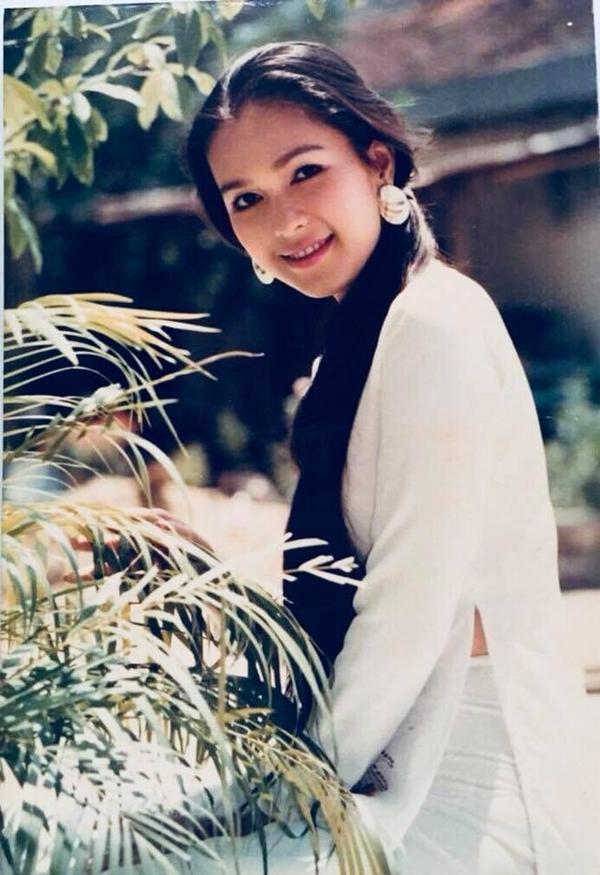 Người đẹp lần đầu được mời chụp ảnh cho một vài tạp chí rồi bén duyên với vai trò người mẫu ảnh lịch