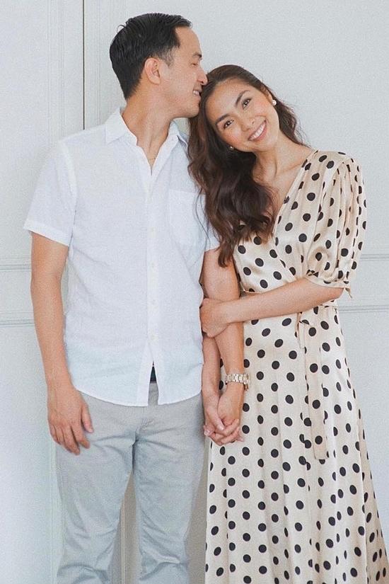 Tăng Thanh Hà hạnh phúc bên chồng sau 10 năm.