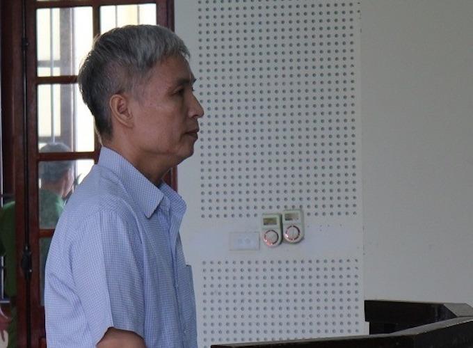 Bị cáo Nam lúc nghe tòa tuyên án.