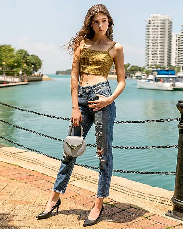 Pazzion là thương hiệu thời trang giày, dép, túi xách cao cấp thuộc top 10 giày Singapore với hơn 20 năm kinh nghiệm.