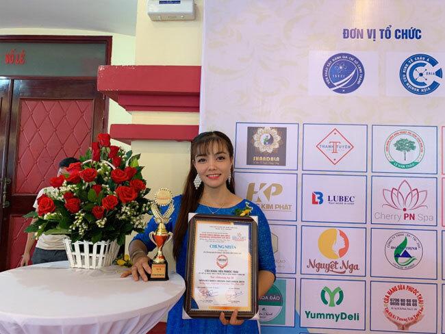 Cửa hàng sữa Phước Thái của chị Tuyền đạt chứng nhận top 50 Thương hiệu, nhãn hiệu danh tiếng Việt Nam 2019. Liên hệ cửa hàng sữa Phước Thái, địa chỉ: ĐC: K60 Ấp 1, Phước Thái, Long Thành, Đồng Nai. ĐT: 093 560 66 68.
