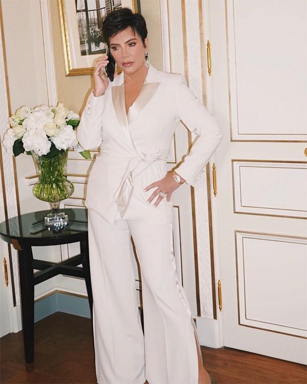 Kris Jenner trẻ trung, sành điệu ở tuổi U70.