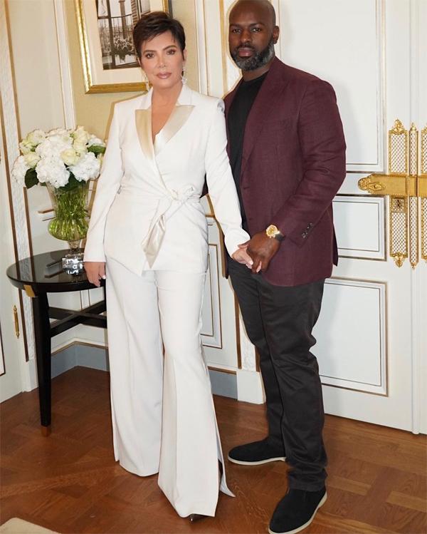 Cặp đôi lịch lãm khi tham dự sự kiện trong khuôn khổ Tuần lễ thời trang Paris.