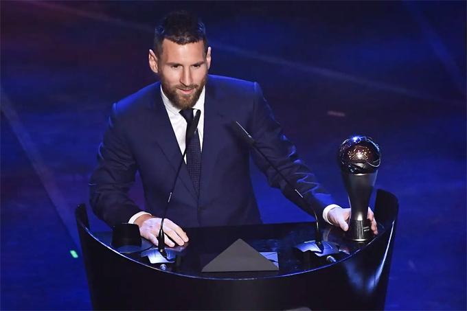 Messi lần thứ 6 nhận giải Cầu thủ hay nhất năm