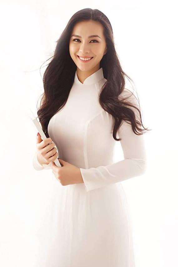 Thùy My từng tham gia diễn xuất trong MV Giữ em đi của ca sĩ Thùy Chi và Tiên Tiên.