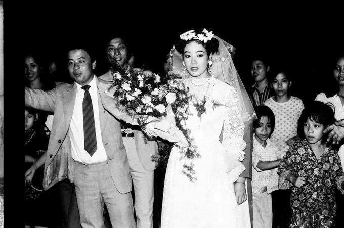 Uyên ương nên duyên vợ chồng vào ngày 15/3/1987 ở Hà Nội.
