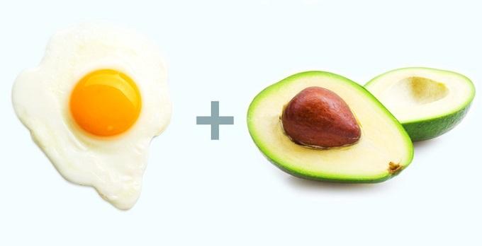Trứng và bơ: Trứng chứa nhiều protein có lợi cho cơ thể, giúp thúc đẩy quá trình phát triển, nạp năng lượng cho cơ thể. Trứng còn giúp loại bỏ cơn đói hiệu quả, giảm lượng calo cơ thể hấp thụ. Kết hợp với bơ, một loại thực phẩm giàu dinh dưỡng, bộ đôi giúp kiểm soát tốt cân nặng cơ thể. Bơ còn chứa nhiều vitamin và khoáng chất tốt cho da, giúp da tươi trẻ, trị mụn...