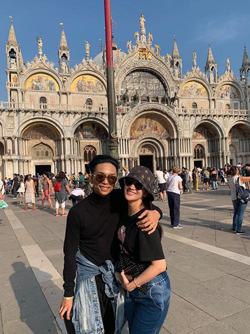 Lại đc quay lại đây lần nữa, cảnh đẹp ko tả được. Nhớ Việt Nam quá rồi, Phan Hiển chia sẻ trong chuyến du lịch Italy.