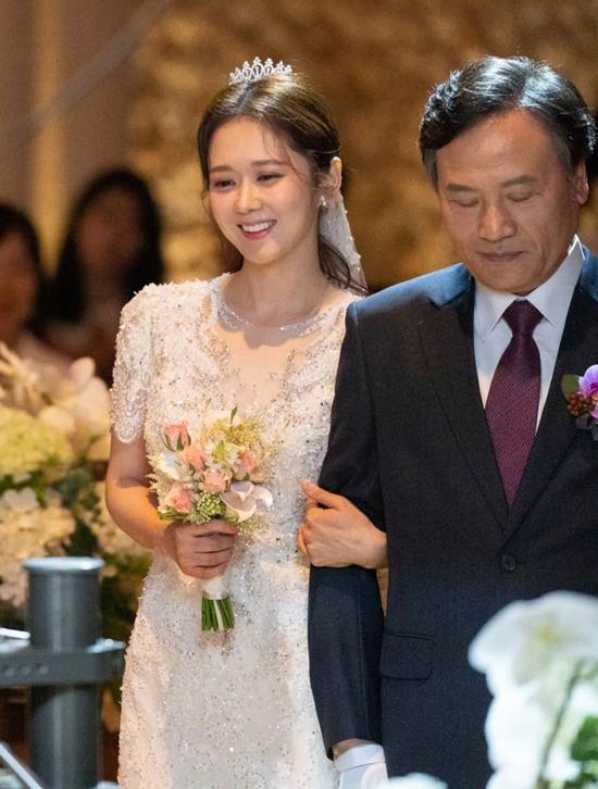 Jang Nara mặc váy cưới - 1