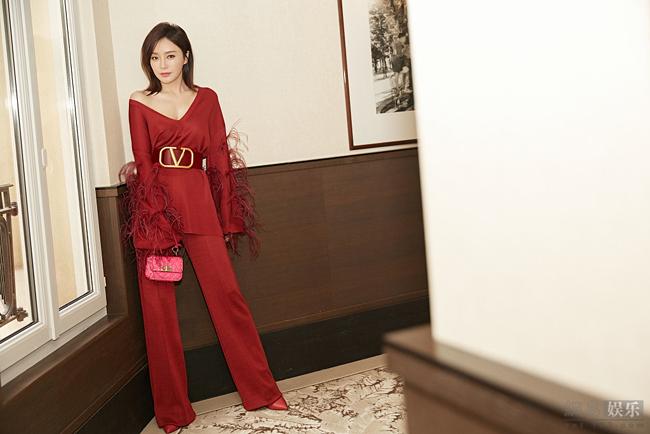 Sau vai Phú Sát Hoàng hậu của Diên hy công lược, tên tuổi Tần Lam càng thăng hạng. Cô hiện là gương mặt được nhiều tạp chí, thương hiệu mời chào.