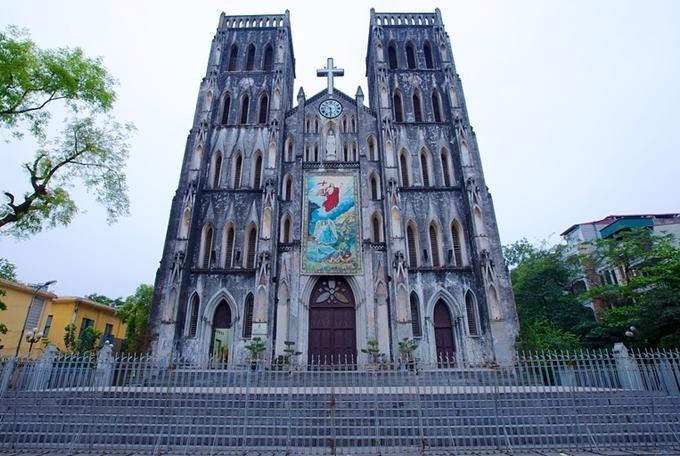 Nhà thờ Lớn Hà Nội - một trong những điểm sẽ có quy định cấm hút thuốc.