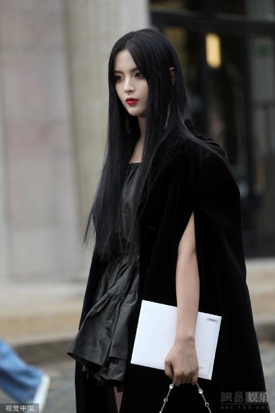 Mỹ nữ đẹp nhất Trung Quốc dự Tuần lễ Thời trang Paris - 3
