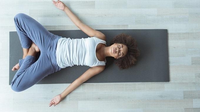 Tư thế yoga tốt cho phái đẹp - 9