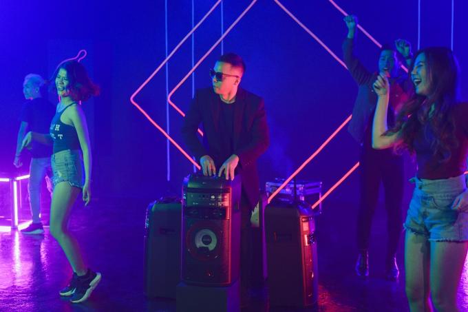Hoàng Touliver gợi ý dàn âm thanh cho buổi dã ngoại - xin edit