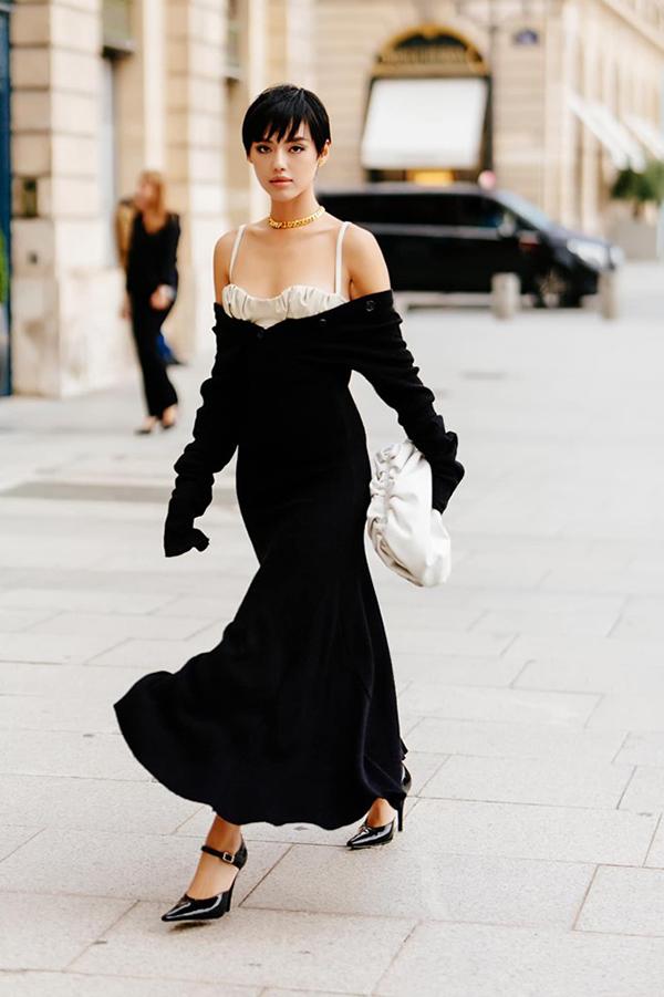 Người đẹp biến hoá thành quý cô yêu kiều trên đường phố Paris với váy do nhà thiết kế Lâm Gia Khang thực hiện.