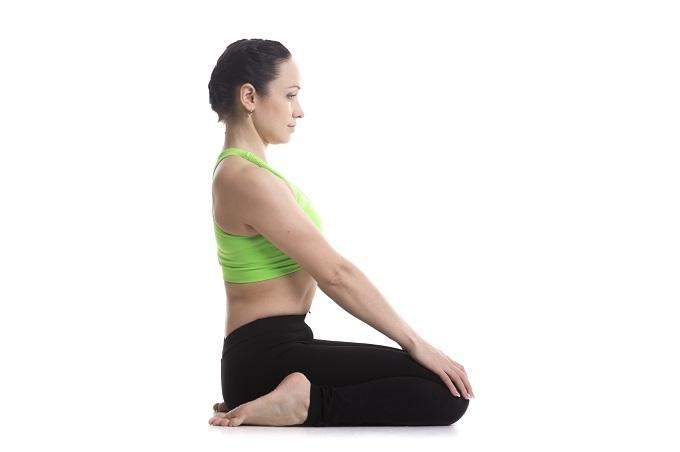Tư thế yoga tốt cho phái đẹp - 3