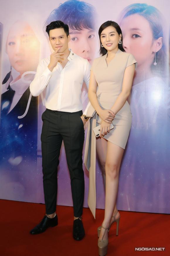 Mợ hai Sáng Cao Thái Hà sánh vai siêu mẫu Minh Anh dự ra mắt phim của các đồng nghiệp. Nữ diễn viên đang được yêu thích với phim truyền hình Tiếng sét trong mưa.