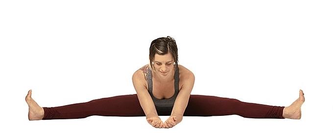 Tư thế yoga tốt cho phái đẹp - 4