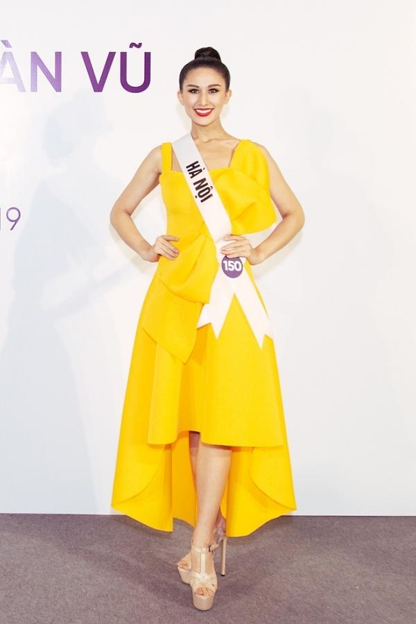 Nguyễn Diana là màu sắc mới lạ của cuộc thi nhờ sở hữunhan sắc lai Tây.