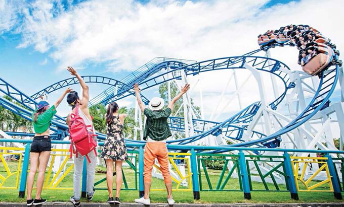 Với mức giảm lớn, khách hàng của Vinpearl Land chỉ phải bỏ ra 200.000 đồng để trải nghiệm các trò chơi giải trí hấp dẫn.