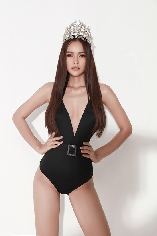 Sau một thời gian tập luyện cật lực với những chỉ số ngày càng hoàn hảo, Ngọc Châu tự tin tung hình ảnh gợi cảm với trang phục bikini.