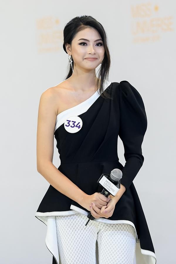 Đào Thị Hà cũng bị hỏi về phát ngôn đá xoáy HHen Niê cách đây hai năm, khi cho rằng người đẹp Êđê được công điểm vùng miền mới đăngq quang hoa hậu.