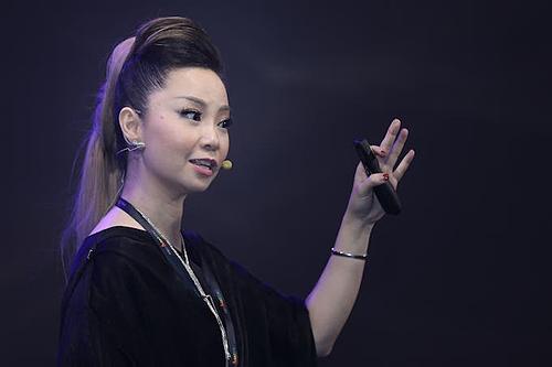 Chuyên gia Thanh Phan tại sự kiện ngày 6/10. Ảnh: Hữu Khoa.