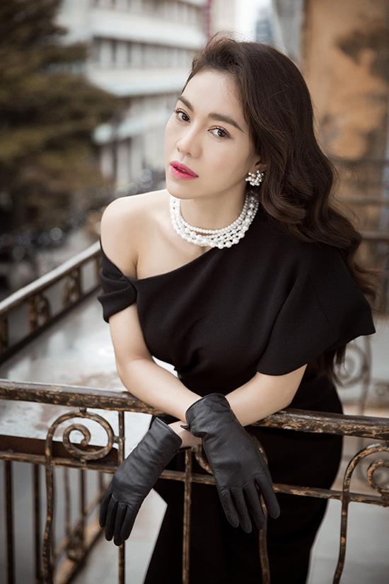 Phong cách đi tiệc của bà trùm hoa hậu Việt - 3