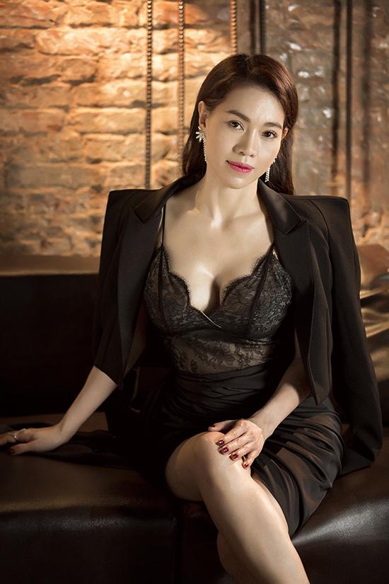 Phong cách đi tiệc của bà trùm hoa hậu Việt - 8