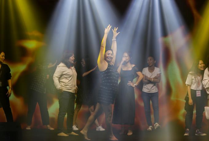 Vũ điệu Zumba 'đốt nóng' sân khấu Ngoisao Beauty Expo