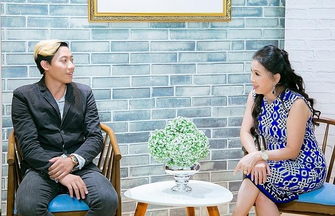 Bằng những kinh nghiệm của mình, NSƯT Kim Xuân đưa ra nhiều lời khuyên cho ông bố trẻ. Talkshow Mảnh Ghép Hoàn Hảo với sự tham gia của NSƯT Kim Xuân được phát sóng lúc 21h35 hôm nay (6/10).