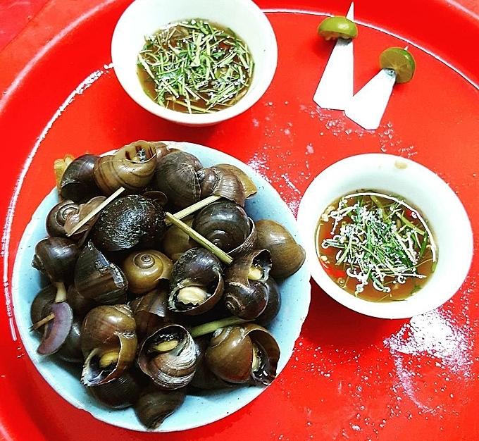 Địa chỉ cuối tuần: 5 quán ốc nổi tiếng ở phố cổ Hà Nội