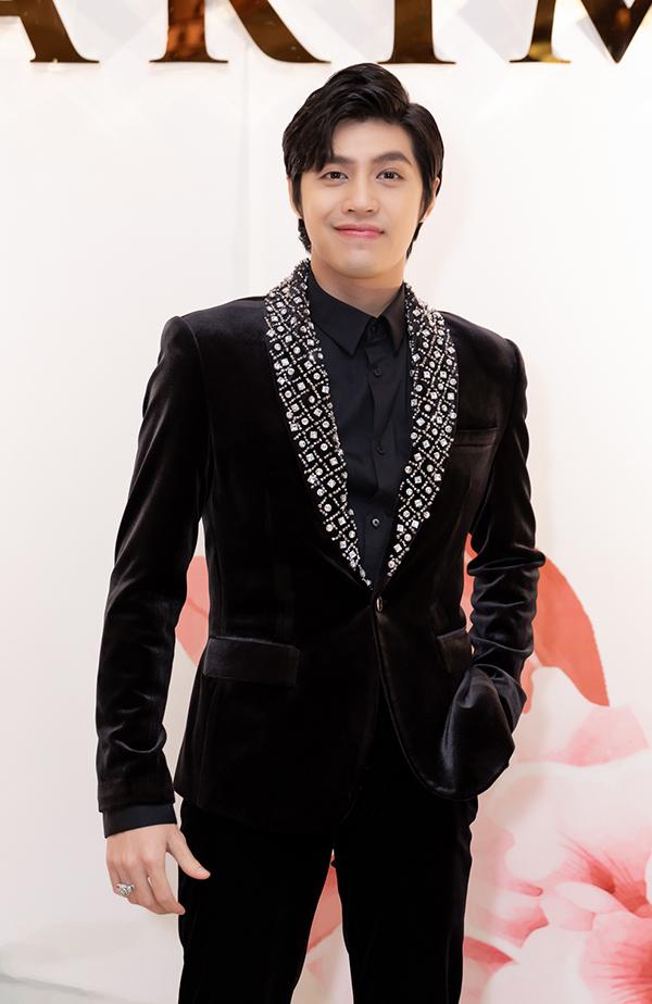 Noo Phước Thịnh không chỉ đến chúc mừng Lưu Hương Giang mà còn tham gia biểu diễn.