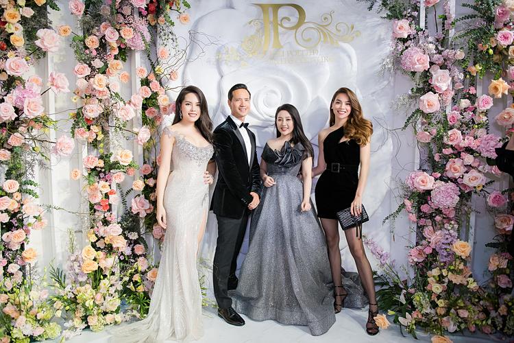 Lương Thùy Linh diện váy cưới đính kim cương triệu USD - page 2 - 3