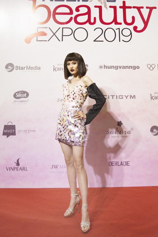 Vì yêu thích nghệ thuật trang điểm, hâm mộ chuyên gia Hung Vango nên người mẫu Fung La rất háo hức khi đến tham dự chương trình.