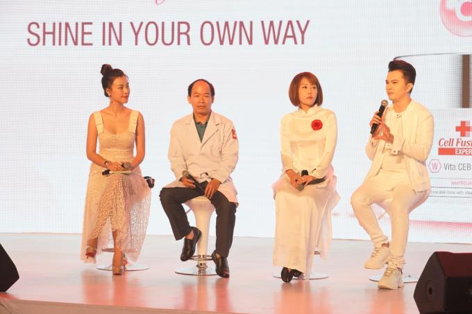 Nam ca sĩ hào hứng chia sẻ kinh nghiệm làm đẹp của bản thân với các khách mời