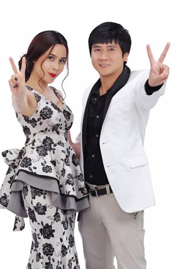 Năm 2012, Lưu Hương Giang tái xuất showbiz khi cùng chồng ngồi ghế nóng gameshow The Voice Kids mùa đầu tiên. Cặp vợ chồng giành chiến thắng khi đưa thí sinh Quang Anh lên vị trí quán quân. Sau đó, họ tiếp tục song hành tại sân chơi này.