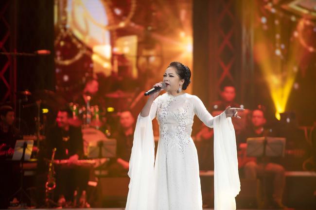 Ca sĩ Như Quỳnh trong Đêm tình nhân 5 diễn ra ở Hà Nội năm ngoái.