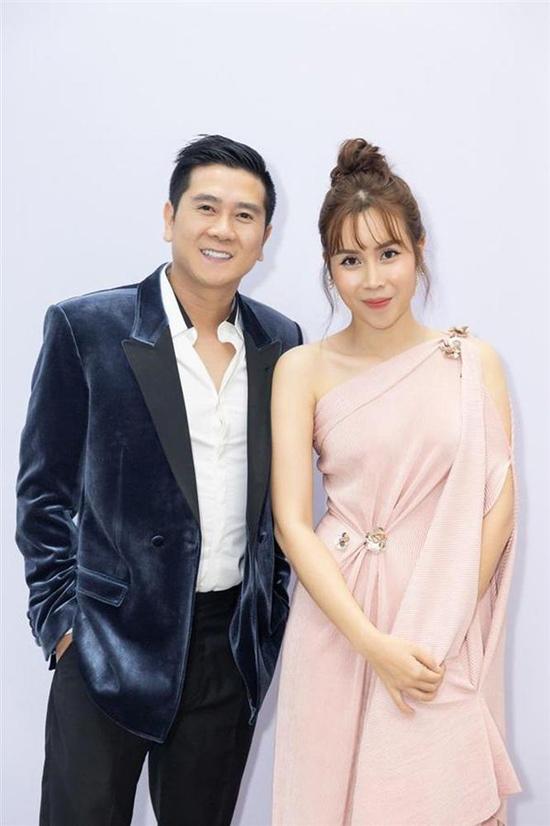 Nhờ sự tư vấn của stylist Hoàng Ku, Hồ Hoài Anh và Lưu Hương Giang luôn có được hình ảnh chỉn chu mỗi khi tham gia sự kiện và lên sóng truyền hình.