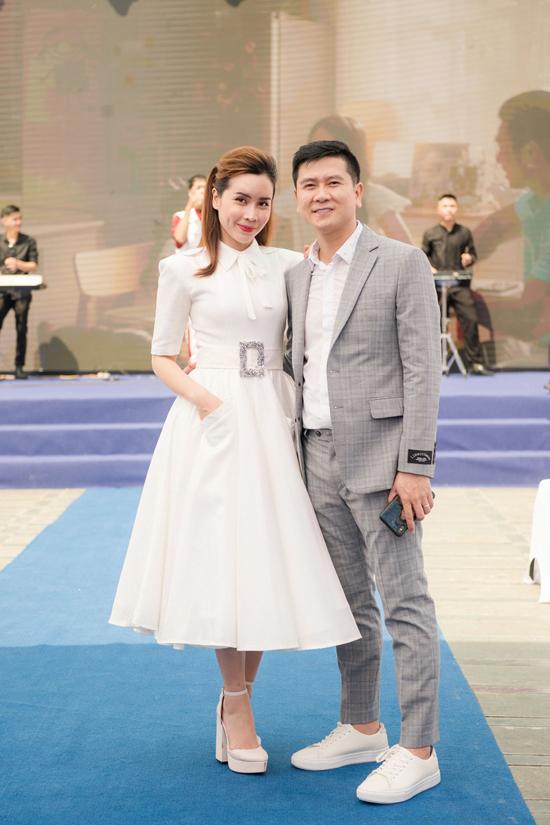 Thành công với vao trò thành viên ban giám khảo của The Voice Kids giúp Hồ Hoài Anh và Lưu Hương Giang ngày càng đến gần hơn với công chúng.
