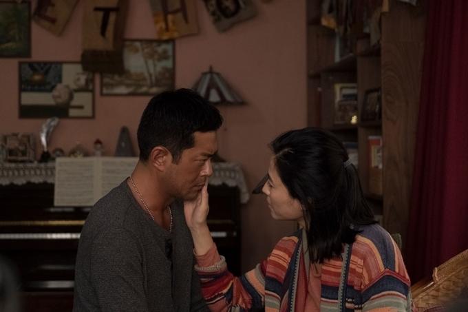 Cổ Thiên Lạc và Tuyên Huyên trong một cảnh phim.